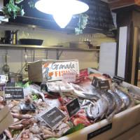 グラナダは魚介類も新鮮!そして安い。とあるバル