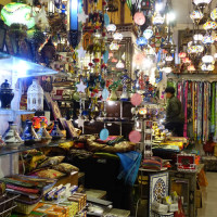 アラブ人街はモロッコ雑貨が並ぶ  1 Caldereria Nueva