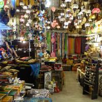 アラブ人街はモロッコ雑貨が並ぶ  2 Caldereria Nueva