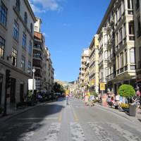 ヌエバ広場に続く道 Plaza Nueva